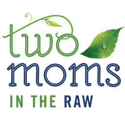 Two Moms_logo